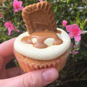 Caramel and biscuit cupcake by LucyyBakes