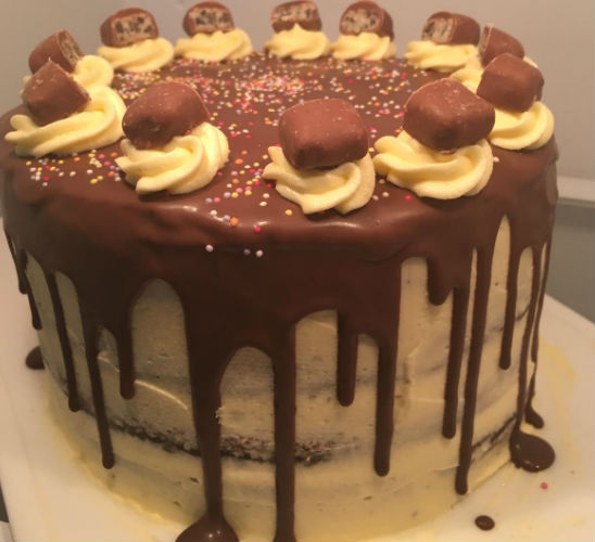 cream and chocolate cake by LucyyBakes